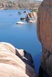 Watson Lake, Prescott, AZ - Kayak fahrend Lizenzfreies Stockfoto