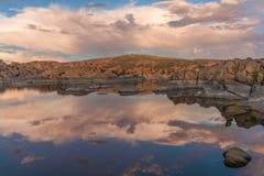 Watson zmierzchu odbicia Jeziorny krajobraz Zdjęcia Stock