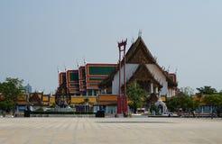 Watsutat de point de repère de la Thaïlande photographie stock