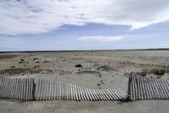 Wattenmeer südlich des breiten Dünen-Zauns Frankreichs Camargue stockfotografie