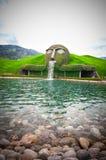 WATTENS/AUSTRIA- 4 maggio 2015: L'entrata di Swarovski Crystal Worlds ha autorizzato il ` il ` gigante in Wattens È un museo, int Fotografia Stock Libera da Diritti