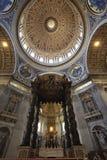 Watykan, Rzym Włochy, Lipiec, - 10, 2017: Baldaquino i kopuła Zdjęcie Royalty Free