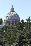Watykan, Rzym Włochy, Lipiec, - 10, 2017: Watykańska kopuła Zdjęcia Stock
