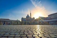 Watykan WŁOCHY, CZERWIEC, - 01: St Peter bazylika przy watykanem, Włochy na Czerwu 01, 2016 Zdjęcia Stock