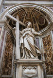 WATYKAN, WRZESIEŃ - 25: Wnętrze świętego Peters bazylika Zdjęcia Stock