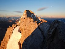 Watzmann rampicante della cresta della montagna in Germania Immagini Stock Libere da Diritti