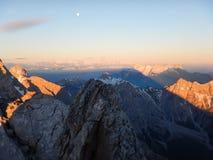 Watzmann rampicante della cresta della montagna in Germania Fotografia Stock