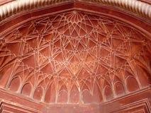 Wault peint par rouge décoré dans le temple indien Image libre de droits