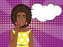 Wauw pop-artgezicht Verraste Afrikaanse vrouw met open mond en toespraakbel Pop-art Royalty-vrije Stock Foto's