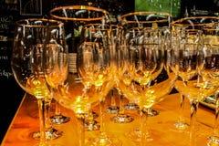 WAUW! Zo aardige wijnglazen royalty-vrije stock afbeelding