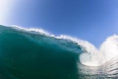 Wave che rompe acqua di schianto Fotografie Stock Libere da Diritti