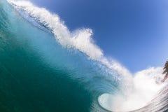 Wave che rompe acqua di schianto Immagine Stock