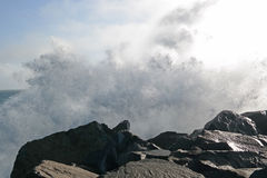 Wave di schianto su Barview Jetti Oregon Fotografia Stock Libera da Diritti