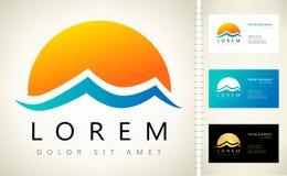 Wave e logo di vettore del sole Fotografia Stock