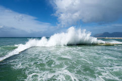 Wave explodes Kalk Bay Royalty Free Stock Photos