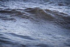 wave för tungt hav för kraschar Arkivfoton