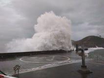 wave för tungt hav för kraschar royaltyfri fotografi