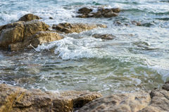 Wave hit rock Royalty Free Stock Photos