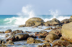 Wave on the rock Royalty Free Stock Images