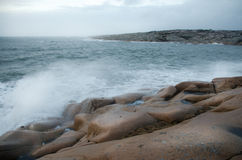 Wave on rocks Royalty Free Stock Photography
