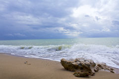 Wave and stone Royalty Free Stock Images