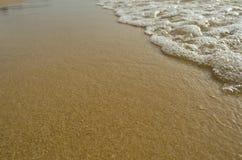 Wave sulla spiaggia Fotografia Stock Libera da Diritti