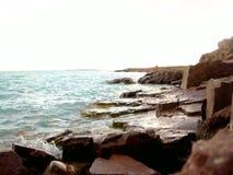 Wave sulla struttura del fondo della spiaggia video d archivio
