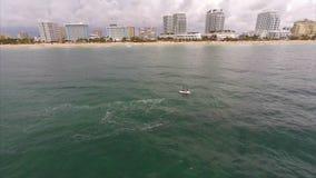 Waverunner flyg- omlopp stock video