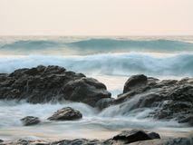 Waves. Breaking on rocks Royalty Free Stock Photo