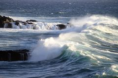 Waves Breaking Royalty Free Stock Photos
