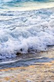 Waves breaking on tropical shore Royalty Free Stock Photos