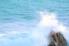 Waves Crashing into the Rock Royalty Free Stock Image