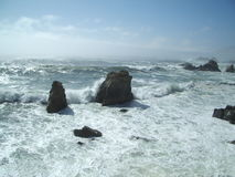 Waves Crashing on Rocks 2 Royalty Free Stock Photos