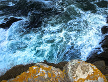 Waves. Crashing into the rocks Stock Photography