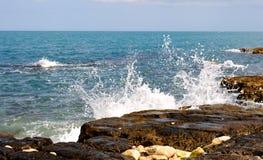 Waves crashing Royalty Free Stock Photos