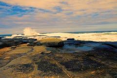 Waves crashing on rocks Royalty Free Stock Photo