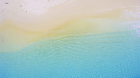 Waves are floating on the beach Royalty Free Stock Photos