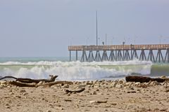 Waves pier Royalty Free Stock Photo