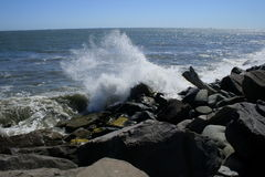 Waves and Rocks Royalty Free Stock Photos