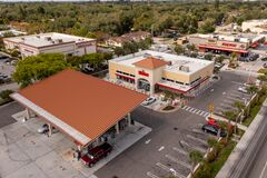 Free Wawa Gas Station And Convenience Store North Miami 163rd Street Royalty Free Stock Photography - 216830957