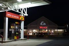 WaWa-Mini-Markt nachts Lizenzfreie Stockfotografie