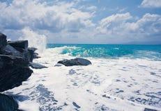 Wawe飞溅海风暴天际 免版税库存图片