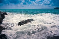 Wawe espirra o horizonte da tempestade do mar Imagem de Stock Royalty Free
