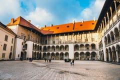 Wawel城堡内在庭院在克拉科夫,波兰 库存照片