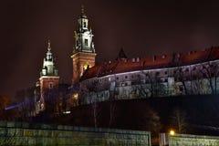 Wawel城堡夜视图在克拉科夫 波兰 库存照片