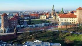 Wawel大教堂和城堡在克拉科夫,波兰 空中录影 股票录像