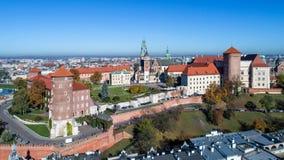 Wawel大教堂和城堡在克拉科夫,波兰 鸟瞰图 免版税库存图片