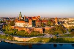 瓦维尔山城堡和大教堂在克拉科夫,波兰 免版税库存照片
