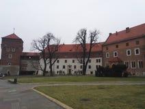 Wawel Castle και περιβάλλοντα κτήρια στην Κρακοβία, Πολωνία στοκ εικόνες