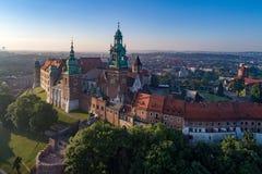 Wawel Catherdral和城堡 克拉科夫波兰 鸟瞰图 免版税库存照片